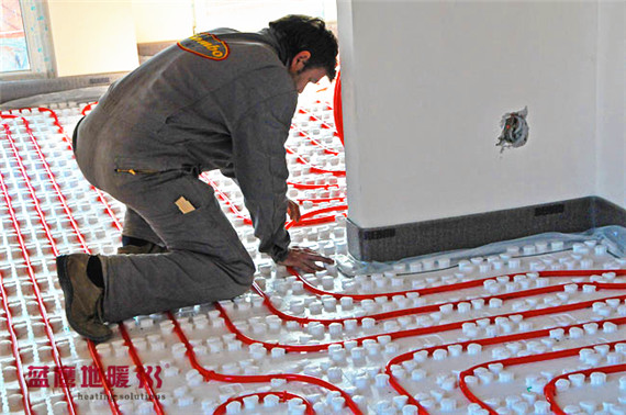 underfloor-heating-living-room-installation-2_副本.jpg