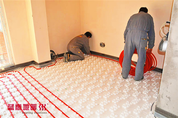 underfloor-heating-living-room-installation-3_副本.jpg