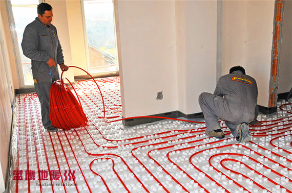 underfloor-heating-living-room-installation-1_副本.jpg